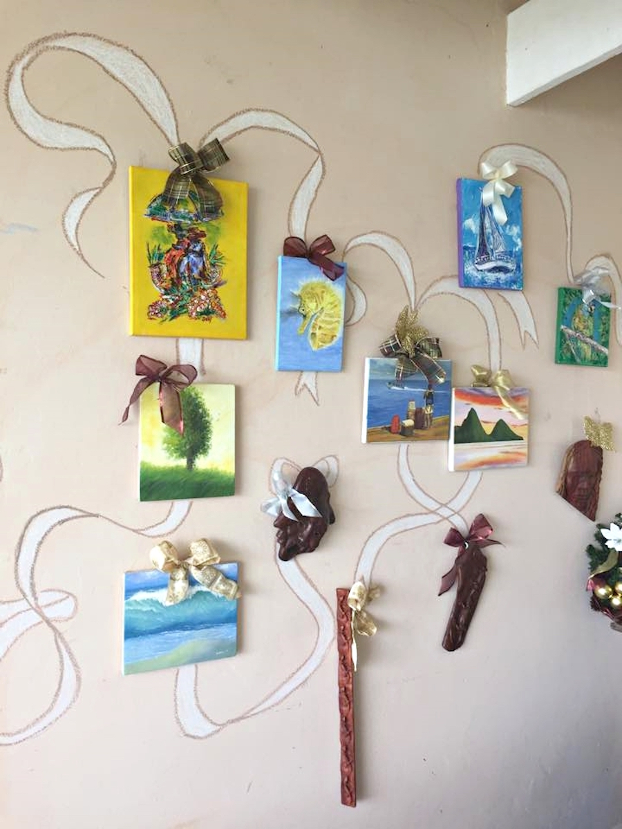 art gallery paintings island mix