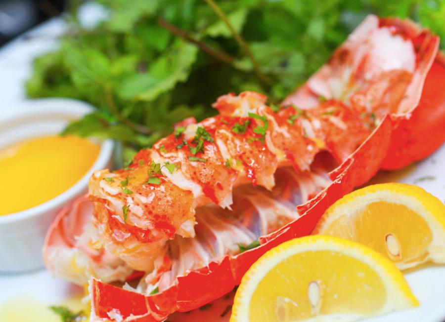 Fresh Lobster in Rodney Bay at Buzz Restaurant