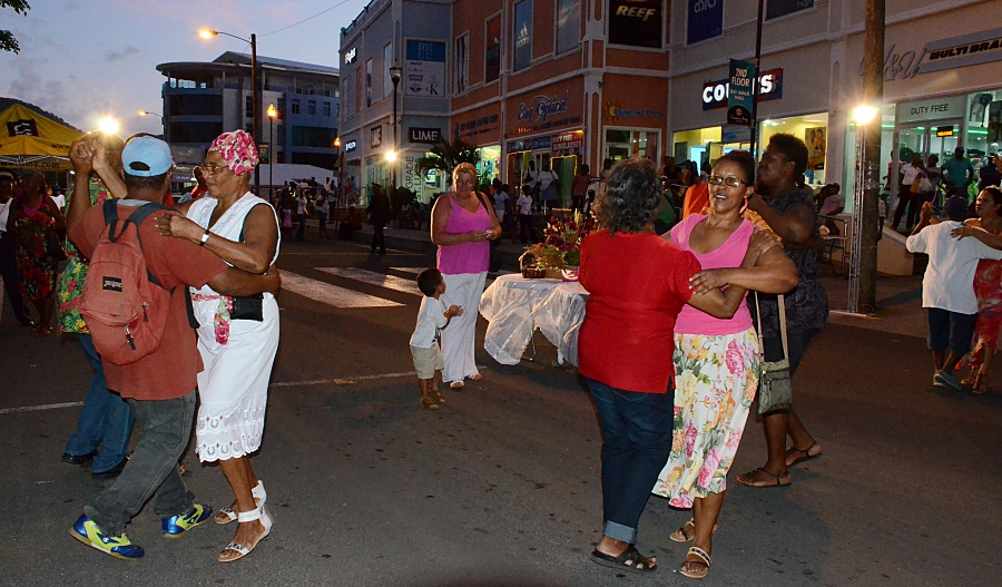 what to do in saint lucia - see traditional culture at the Lawoz seyans in Rodney Bay