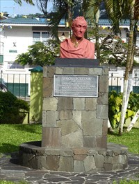 statue of simon bolivar in castries st lucia