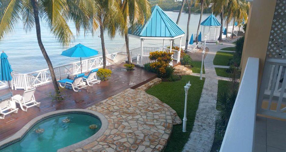 Villa Beach Cottages – beautiful boutique beachfront hotel
